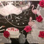 50cm×45cm 油彩、テーブルクロス、造花、レース、ビーズ、ラインストーン
